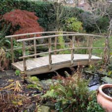 2.7m X 710mm Walkway Garden Bridge (centre Rail)